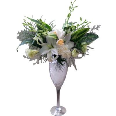 Champagne Glasses Vase arrangement